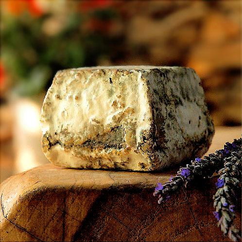 פחימה - גבינה מחלב עיזים אורגני מחוות חלב עם הרוח – יודפת בגליל